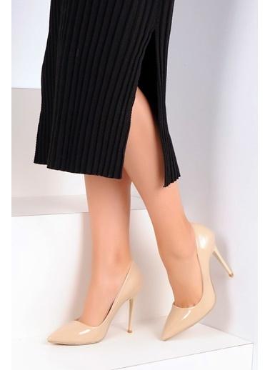 Pembe Potin A1770-17 Kadın Klasik Topuk Ayakkabı A1770-17 Bej
